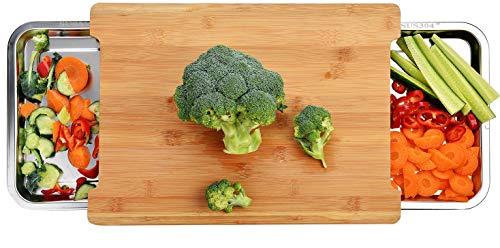 Premium Schneidebrett aus Bio Bambus von Harcas. Mit 2 großen Auffangschalen aus Edelstahl. 42cm x 30cm x 4cm. Am besten für Gemüse, Obst und Käse....