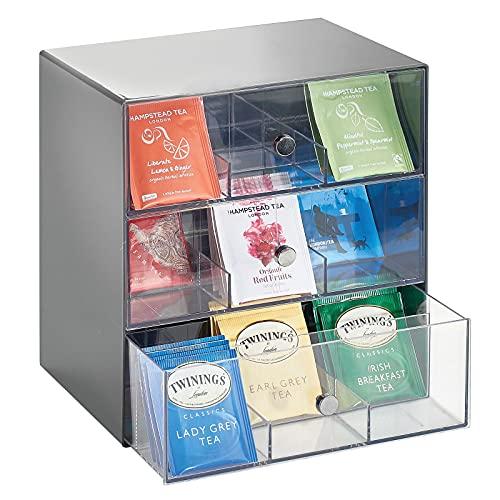 mDesign Aufbewahrungsbox für Teebeutel, Kaffeepads, Zucker usw. – kompakte Teekiste aus Kunststoff mit 27 Fächern – Küchen Organizer mit 3 Schubladen –...