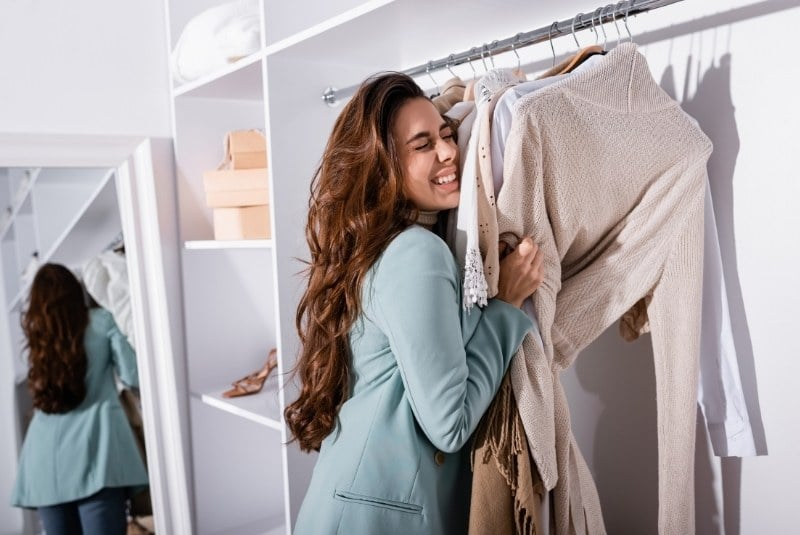 Frischer Kleiderschrankduft durch Schrankduft