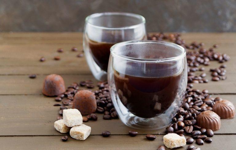Doppelwandige Thermogläser für Kaffee