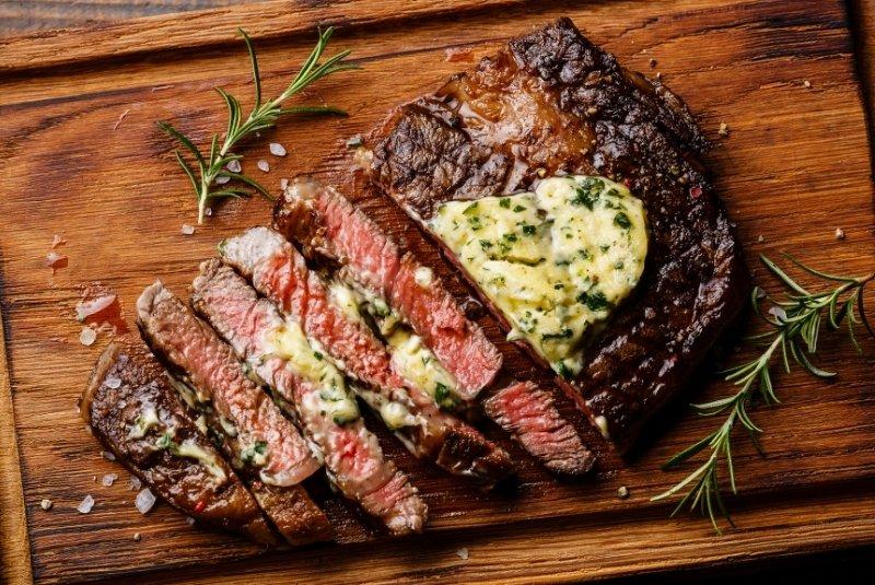 Steak vom Cecotec Txuletaco Inferno 8000
