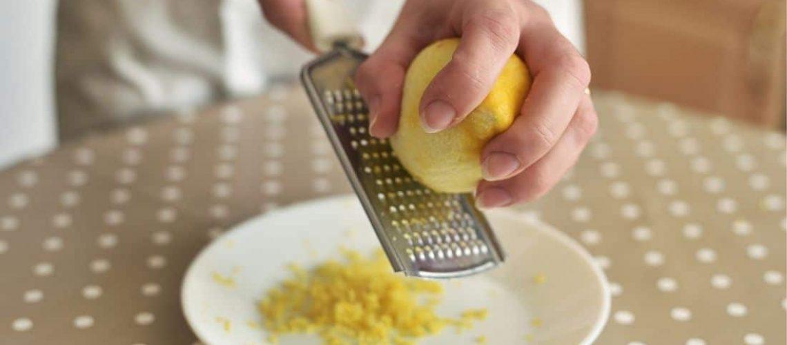 Zitronenreibe: Zestenreibe für Zitronen